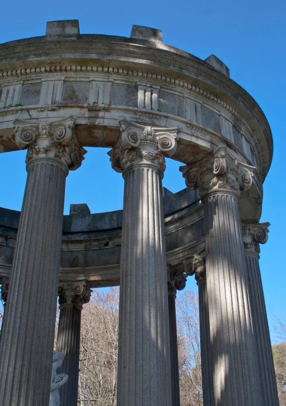 Baco y su templo